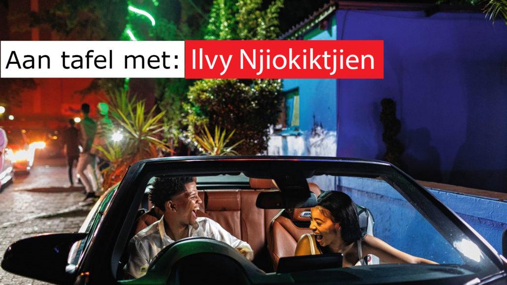 Photo020 aan tafel met ilvy njiokiktjien